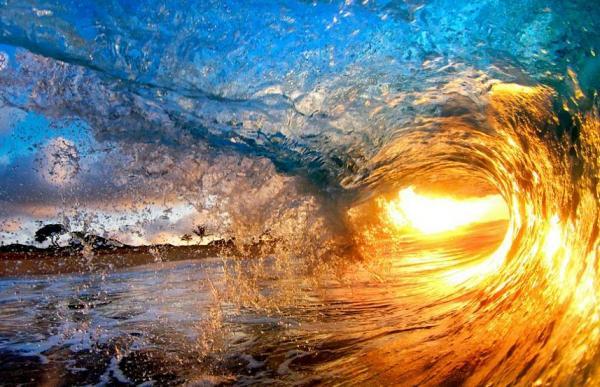 Sole tra le onde...